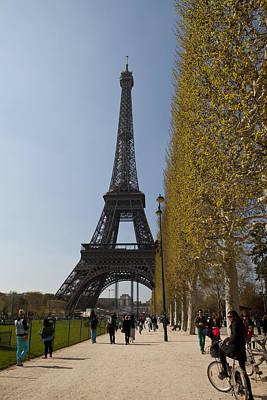 Photograph - Tour Eiffel 6 by Art Ferrier