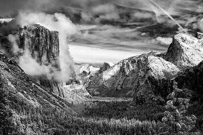 Black And White Photograph - Tunnel View In Yosemite by Alexis Birkill