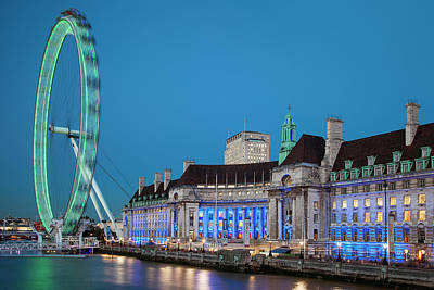 London Eye Photograph - Twilight At The London Eye Along River by Brian Jannsen