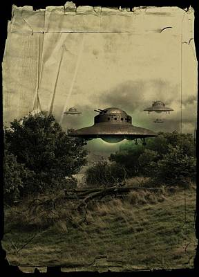 Unidentified Photograph - Ufos by Victor Habbick Visions