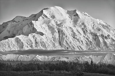 Usa, Alaska, Denali, Mt Print by John Ford