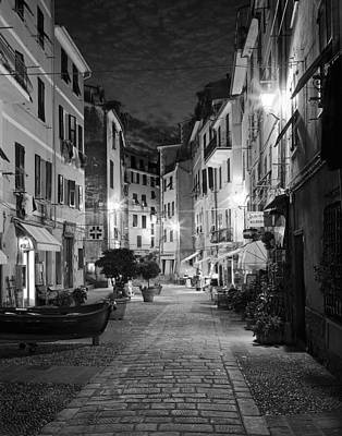 Black White Photograph - Vernazza Italy by Carl Amoth