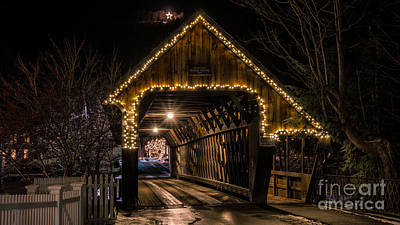 Taftsville Photograph - Woodstock Middle Bridge. by New England Photography