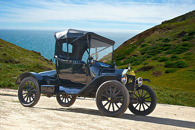 Horseless Carriages Photograph - 1915 Ford Model T Roadster by Dave Koontz