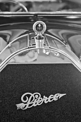 48 Photograph - 1915 Pierce-arrow Model 48 7-passenger Touring Hood Ornament by Jill Reger