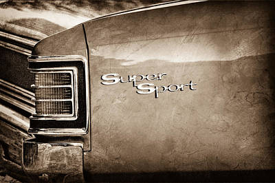 1967 Chevy Chevelle Ss Photograph - 1967 Chevrolet Chevelle Ss Super Sport Taillight Emblem by Jill Reger