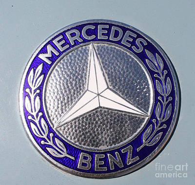 Telfer Photograph - 1967 Mercedes Benz Logo by John Telfer