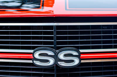 1970 Chevrolet Chevelle Ss 454 Grille Emblem Print by Jill Reger