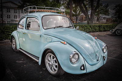 Wv Photograph - 1974 Volkswagen Beetle Vw Bug by Rich Franco