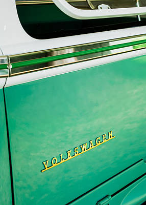 Bus Photograph - 1964 Volkswagen Vw Samba 21 Window Bus Emblem by Jill Reger