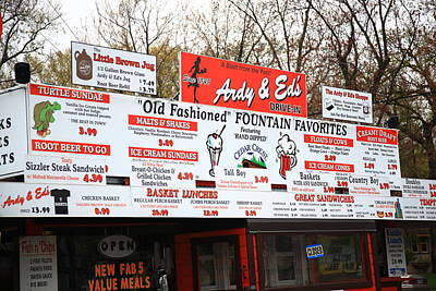 Oshkosh Wisconsin - Ardy And Ed's Drive-in Print by Frank Romeo