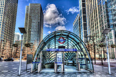 London Tube Photograph - Canary Wharf by David Pyatt