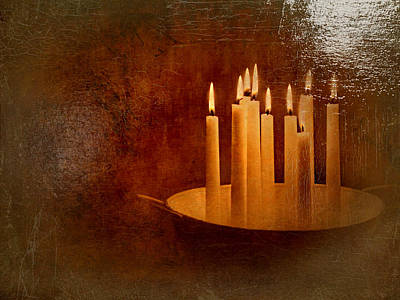 Comfort Painting - Candle Light by Heike Hultsch
