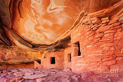 Canyon Ruins Print by Inge Johnsson
