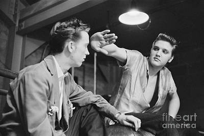Gene Photograph - Elvis Presley And His Cousin Gene Smith 1956 by The Phillip Harrington Collection
