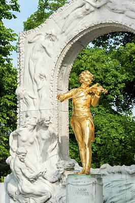 Begonia Garden Photograph - Europe, Austria, Vienna, Stadtpark by Jim Engelbrecht