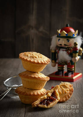 Cracker Photograph - Festive Mince Pies by Amanda And Christopher Elwell