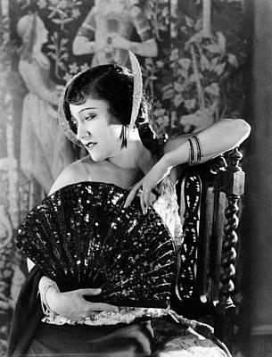 1920s Movies Photograph - Her Husbands Trademark, Gloria Swanson by Everett