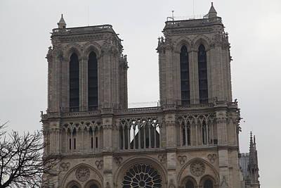 Figures Photograph - Paris France - Notre Dame De Paris - 01133 by DC Photographer