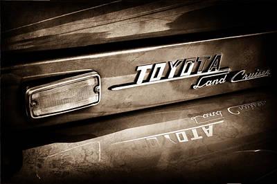Cruiser Photograph - 1970 Toyota Land Cruiser Fj40 Hardtop Emblem -0700s by Jill Reger