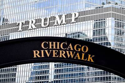 Black Commerce Photograph - Chicago Riverwalk by Frozen in Time Fine Art Photography