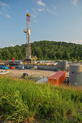 Oil Drill Rig Photograph - Fracking Drill Rig by Jim West