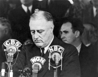 Franklin Photograph - President Franklin Roosevelt by Underwood Archives