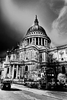 Wren Digital Art - St Pauls Cathedral London Art by David Pyatt