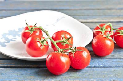 Tomatoes Print by Tom Gowanlock