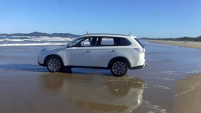 Australia - Outlander On The Beach Original by Jeffrey Shaw