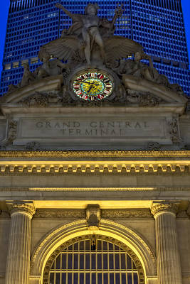 Dawn Photograph - Grand Central Terminal Facade by Susan Candelario