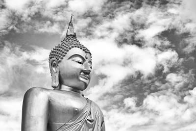 Buddha Statue Print by Sahawat Kiankola