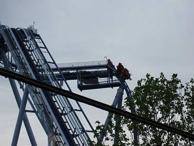 Drop Photograph - Busch Gardens - 12121 by DC Photographer