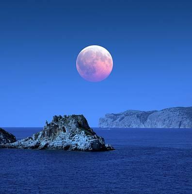 Astrophysical Photograph - Lunar Eclipse by Detlev Van Ravenswaay