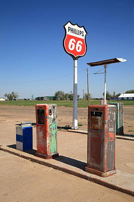 Mural Photograph - Route 66 Gas Pumps by Frank Romeo