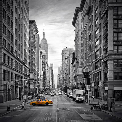 Streetscenes Photograph - 5th Avenue Yellow Cab by Melanie Viola