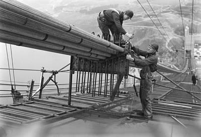 2 Faces Photograph - Golden Gate Bridge Work by Underwood Archives