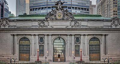 Clock Photograph - Grand Central Terminal Facade by Susan Candelario