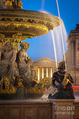 France La Madeleine Photograph - Paris Fountain by Brian Jannsen