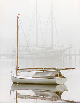 Beetle Cat Photograph - 7060 Gaff Rigged Beetle Cat In Fog by Chris Maher