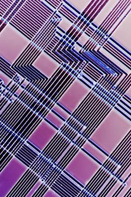Microchip Photograph - Microchip by Alfred Pasieka