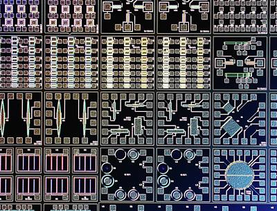 Microchip Photograph - Surface Of Microchip by Alfred Pasieka