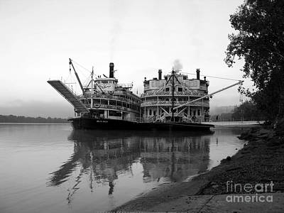White River Scene Photograph - A Pair Of Queens Bw by Mel Steinhauer