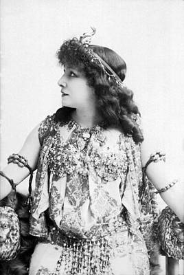 1890s Photograph - A Portrait Of Sarah Bernhardt by Underwood Archives