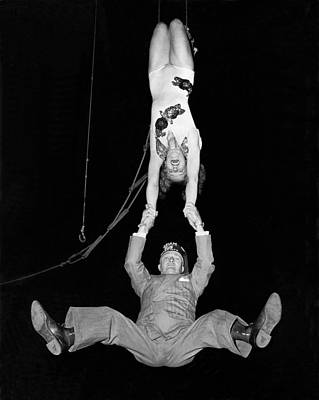 Trapeze Artist Photograph - A Swinging Shriner by Underwood Archives