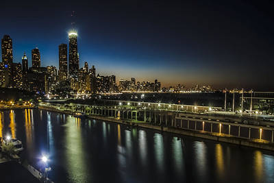 A Unique Look At The Chicago Skyline At Dusk Print by Sven Brogren