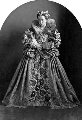 White-crowned Photograph - A Very Regal Woman by Underwood Archives