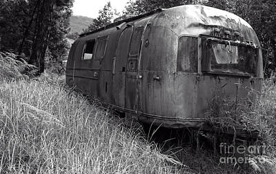 Abandoned Airstream In The Jungle Print by Edward Fielding