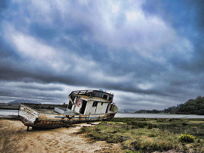 Landscape Photograph - Abandoned On The Beach by Nancy Ingersoll