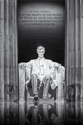 Lincoln Memorial Photograph - Abraham Lincoln Memorial by Susan Candelario